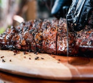 slicing beef brisket
